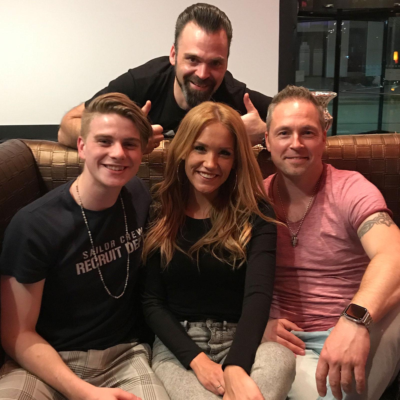 DJ Lollo mit Sonia Liebing, Vincent Gross und Mitch Keller